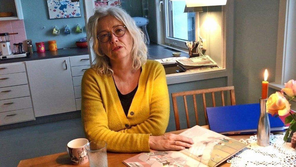 Klikk på bildet for å forstørre. Forfatter og norsklærer Hilde Henriksen opplever debatten rundt hennes bok som en belastning.