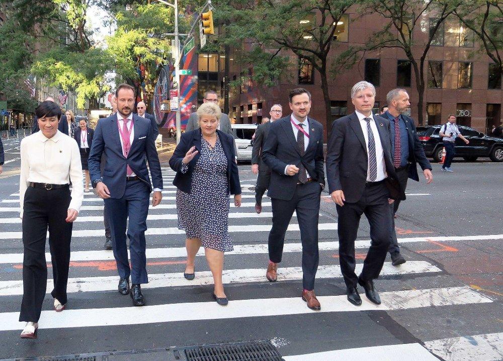 Klikk på bildet for å forstørre. Statsminister Erna Solberg, kronprins Haakon og flere statsråder avbildet under FNs høynivåuke i New York i høst.
