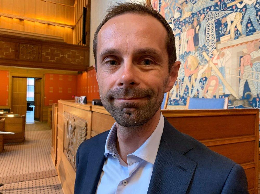Klikk på bildet for å forstørre. VALGBLØFF Venstres Hallstein Bjercke mener MDG kom med en valgbløff når de nå ikke kutter kollektivprisene de lovet.