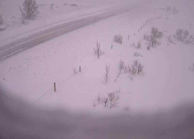 Klikk på bildet for å forstørre. STENGT: E6 over Dovrefjell er blant veiene som er stengt, her ved Hjerkinn.