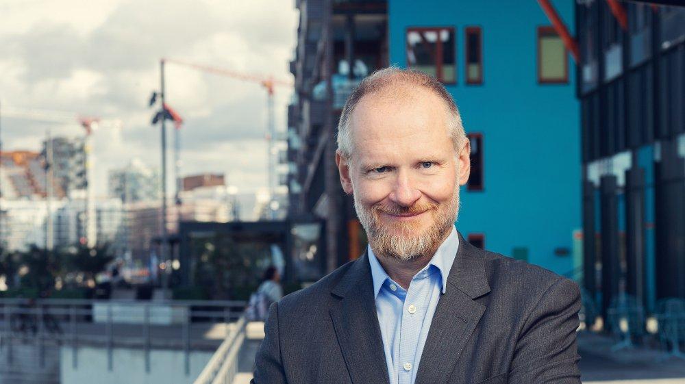 Klikk på bildet for å forstørre. KRITISK TIL NVE: NVEs foreslåtte strømprismodell er negativ for energiøkonomiske samfunnsmål. Nå må politikerne på banen, foreslår juridisk direktør i NBBL, Henning Lauridsen.
