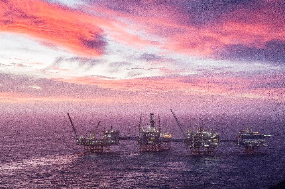 Klikk på bildet for å forstørre. Nordsjøen 20200107. Oversiktsbilde Johan Sverdrup feltsenter som åpnes offisielt tirsdag. Johan Sverdrup er det tredje største oljefeltet på norsk sokkel, med forventede ressurser på 2,7 milliarder fat oljeekvivalenter.