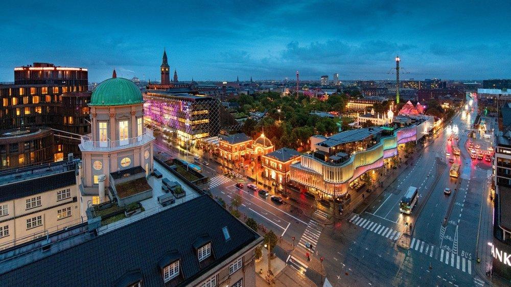 Klikk på bildet for å forstørre. Utsikt over Tivoli i København fra Radisson-hotellet.