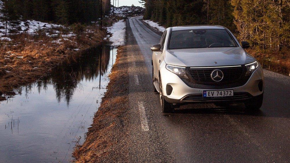 Klikk på bildet for å forstørre. Mercedes EQC 400