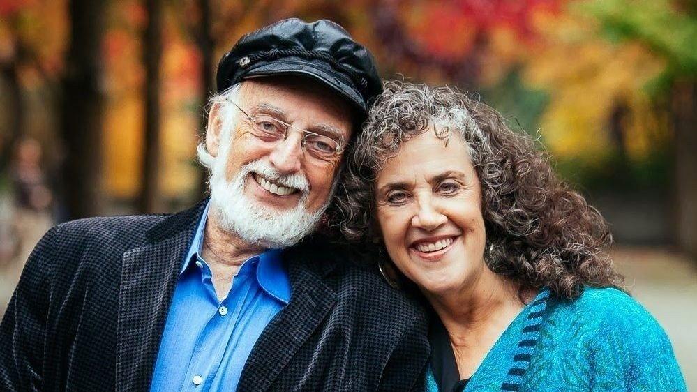 Klikk på bildet for å forstørre. PSYKOLOGPAR: John og Julie Gottman driver The Gottman Institute og er verdensledende på forskning når det kommer til samliv og parforhold.