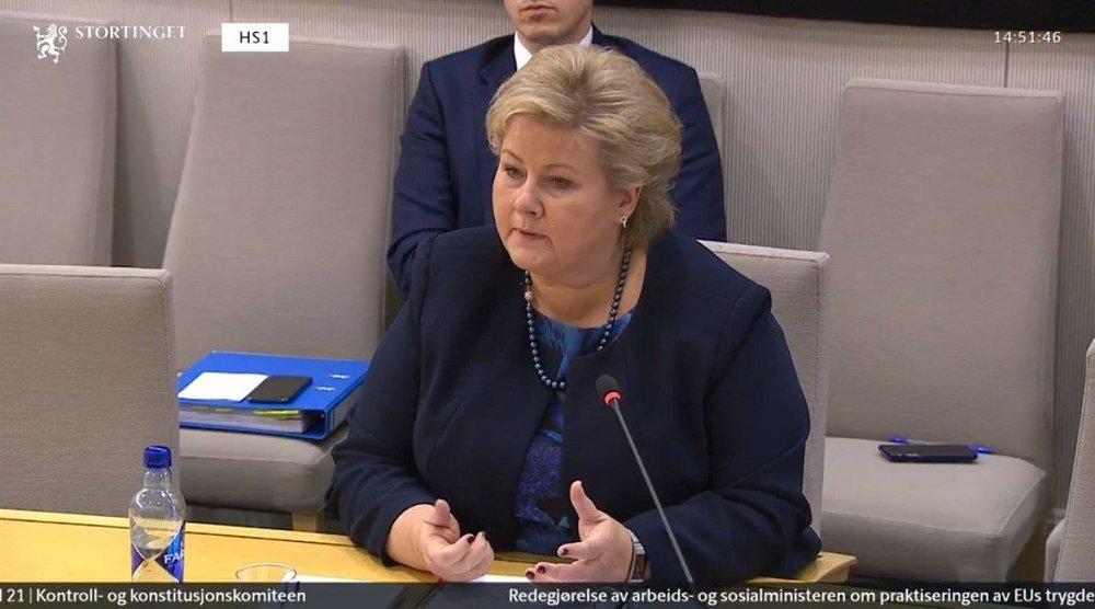 Klikk på bildet for å forstørre. MØTTE TIL HØRING: Fredag ettermiddag var det statsminister Erna Solbergs tur til å svare i høringen om Nav-skandalen.
