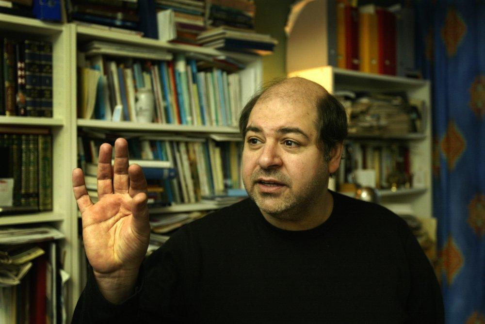 Klikk på bildet for å forstørre. Walid al-Kubaisi fotografert i sin leilighet i Oslo i 2003.