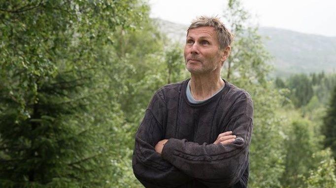 Klikk på bildet for å forstørre. RASENDE: Sigmund Aarstrand har drevet med turistfiske siden 1991. Han reagerer på det han opplever som mistenkeliggjøring av næringen og kundene: - Dette fornærmer oss og gjestene våre, sier Aarstrand