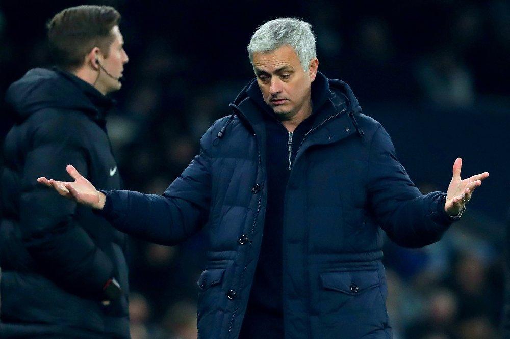 Klikk på bildet for å forstørre. LITE Å RUTTE MED? José Mourinho må kanskje klare seg ut sesongen uten en erstatter for skadde Harry Kane. Eller får klubben tak i en kortsiktig løsning?
