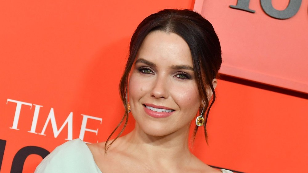 Klikk på bildet for å forstørre. Time magazine holds red carpet event to celebrate annual list of world's 100 most influential people US actress Sophia Bush arrives on the red carpet for the Time 100 Gala at the Lincoln Center in New York on April 23, 2019.