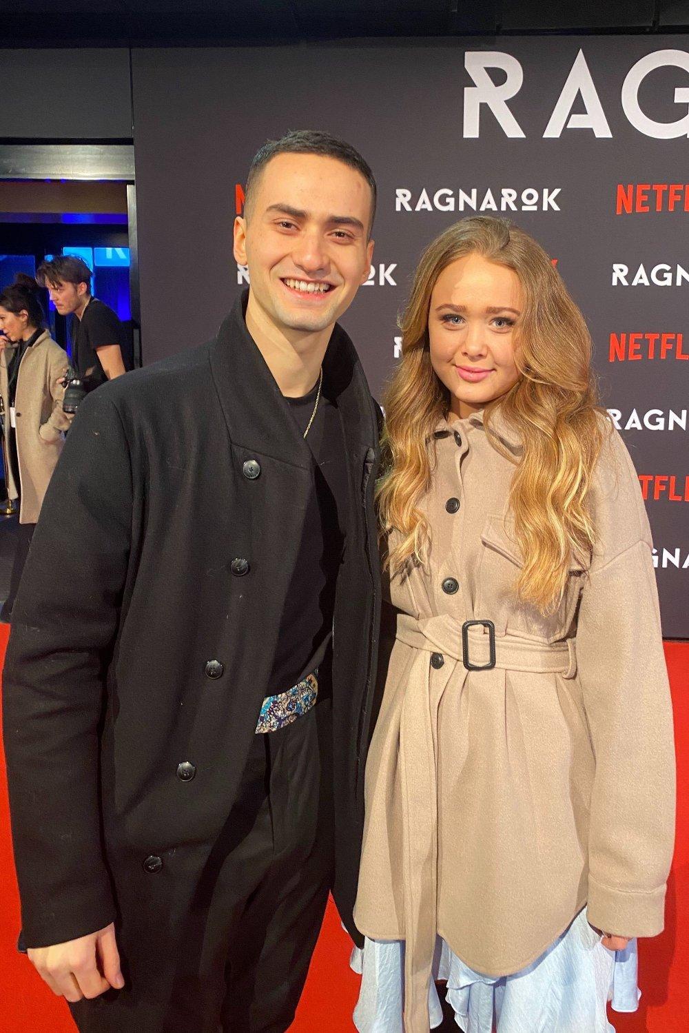 Klikk på bildet for å forstørre. Cengiz Al og kjæresten Maiken blom på den røde løperen utenfor Colosseum kino i forbindelse med premieren på «Ragnarok».