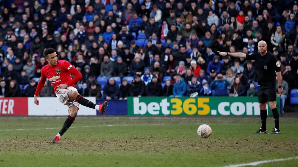 Klikk på bildet for å forstørre. Soccer Football - FA Cup Fourth Round - Tranmere Rovers v Manchester United - Prenton Park, Birkenhead, Britain - January 26, 2020 Manchester United's Mason Greenwood scores their sixth goal from the penalty spot Action Images via Reuters/Andrew Boyers