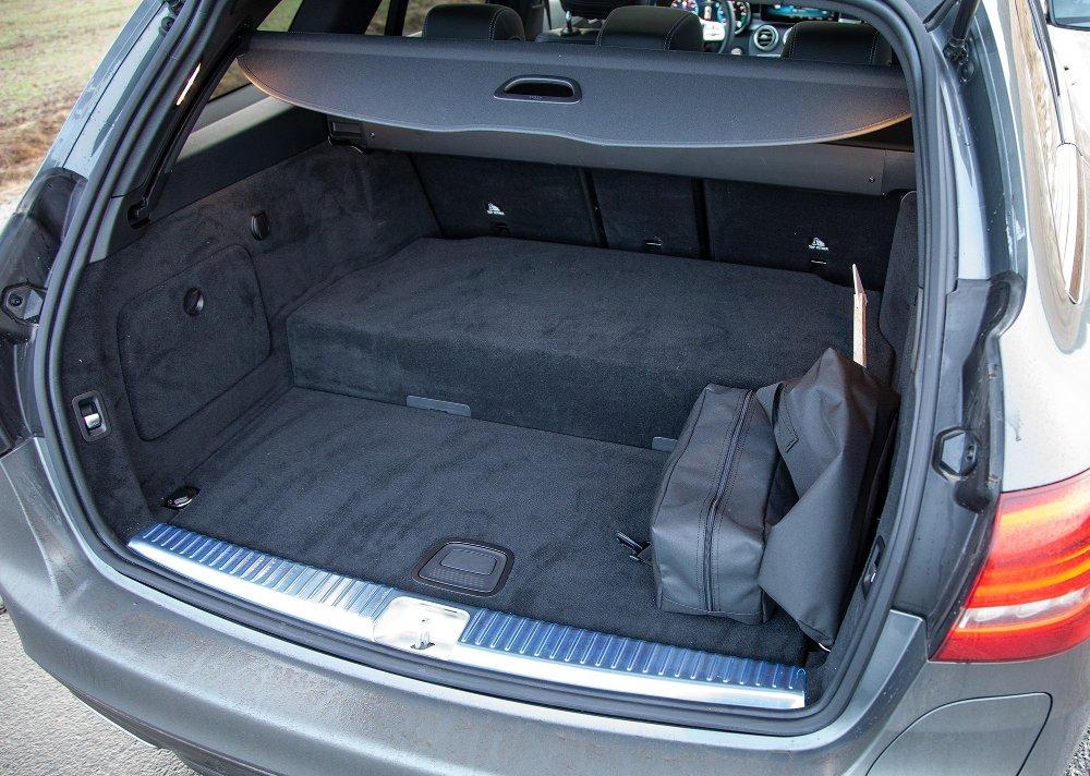Klikk på bildet for å forstørre. Mercedes C300de stasjonsvogn