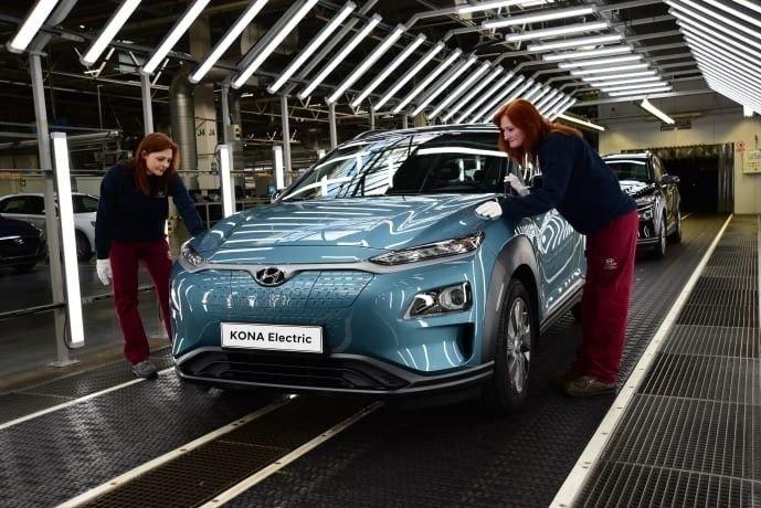Klikk på bildet for å forstørre. Hyundai starter opp produksjon av Kona i Europa.