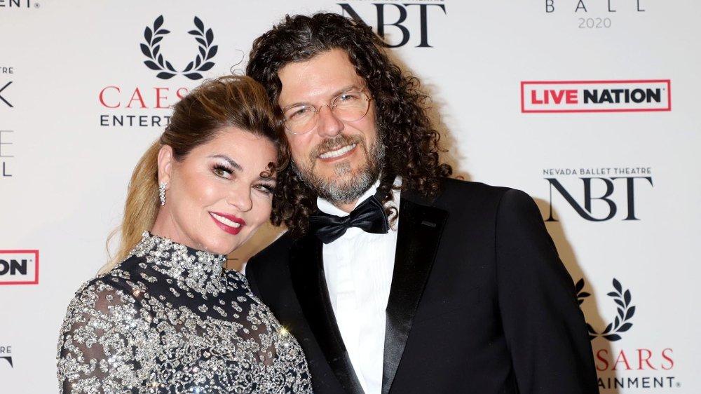 Klikk på bildet for å forstørre. Her er Shania Twain og ektemannen Frederic Thiebaud på 36th Annual Black & White Ball på Caesars Palace Hotel & Casino i Las Vegas på lørdag i forrige uke.