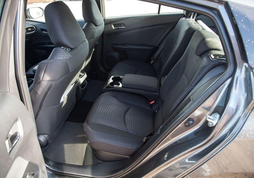 Klikk på bildet for å forstørre. Baksetene på Prius plug-in ved lansering.
