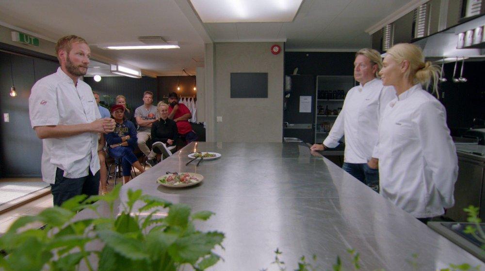 Klikk på bildet for å forstørre. RØK UT: Anna Anka måtte se seg slått av Runar Sørgaard og ble nummer to til å reise hjem fra Camp Kulinaris.