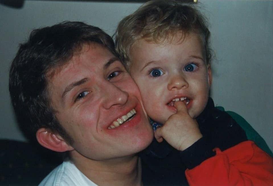 Klikk på bildet for å forstørre. GLEDESSPREDER: Jens omtales som en aktiv, snakkesalig og glad glutt som barn.