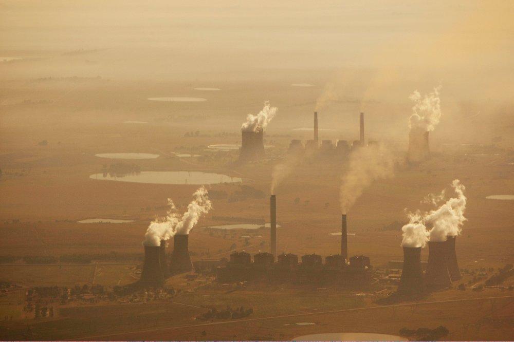 Klikk på bildet for å forstørre. Pretoria, Sør Afrika 20080416 Matla Power Station. Kullkraftverk i Sør-Afrika, flyfoto. Sør-Afrika er det landet i Afrika med de største utslippene av klimagasser.