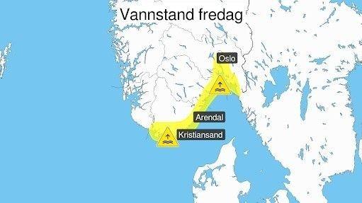 Klikk på bildet for å forstørre. Meteorologene venter høy vannstand langs kysten av Agder og på Østlandet fredag.