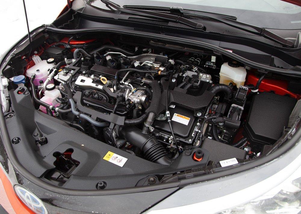 Klikk på bildet for å forstørre. Toyota C-HR 2.0 hybrid facelift