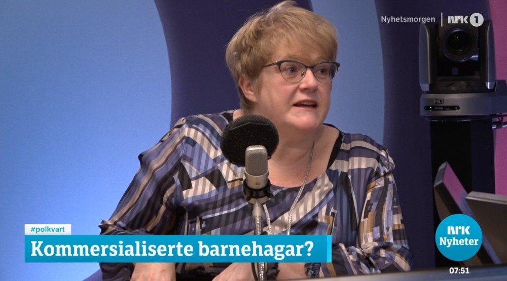 Klikk på bildet for å forstørre. Venstre-leder Trine Skei Grande i studio hos NRKs Politisk kvarter.