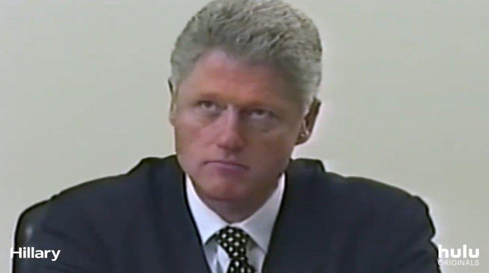 Klikk på bildet for å forstørre. - Hvordan kan jeg tenke på den dummeste tingen jeg kan gjøre, og så gjøre det, sier Bill Clinton i dokumentaren.