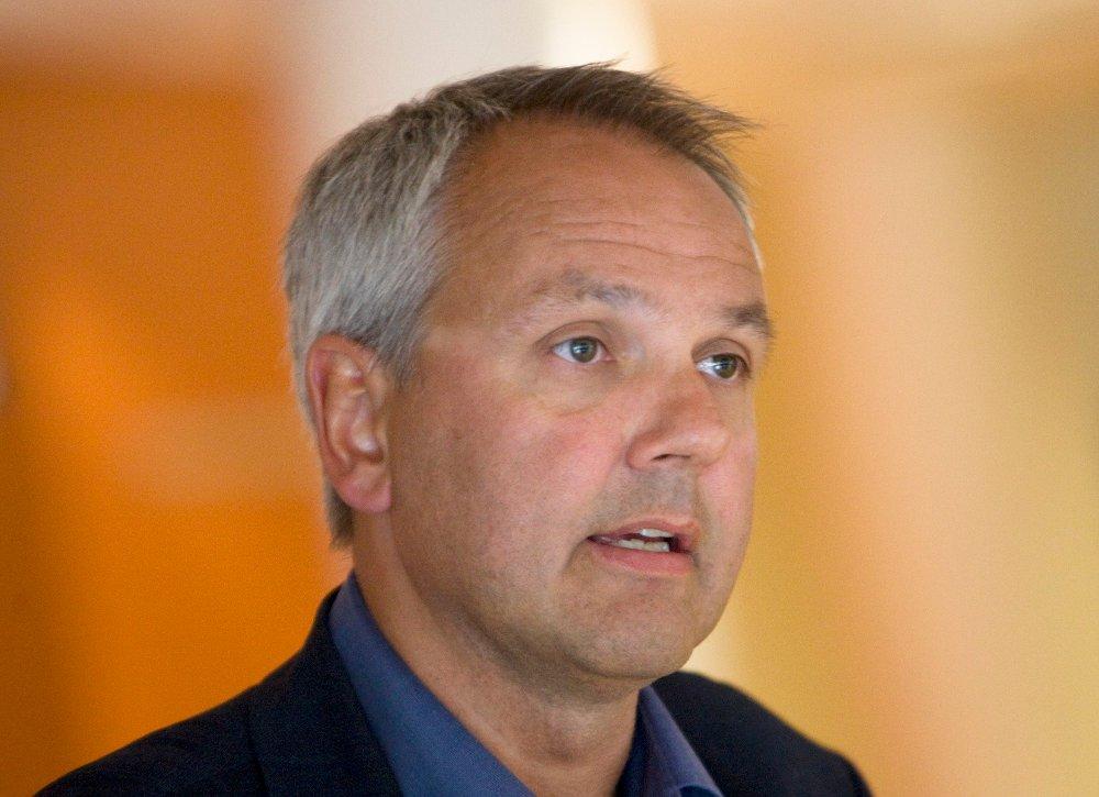 Klikk på bildet for å forstørre. OSLO 20090729: Overlege Preben Aavitsland fra Nasjonalt folkehelseinstitutt orienterte om influensasituasjonen og forventet sykdomsutvikling i Oslo, onsdag ettermiddag.