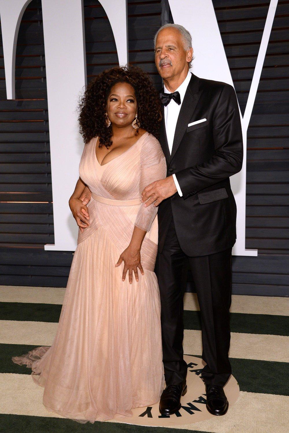 Klikk på bildet for å forstørre. Oprah Winfrey og ektemanne Stedman Graham i 2015.