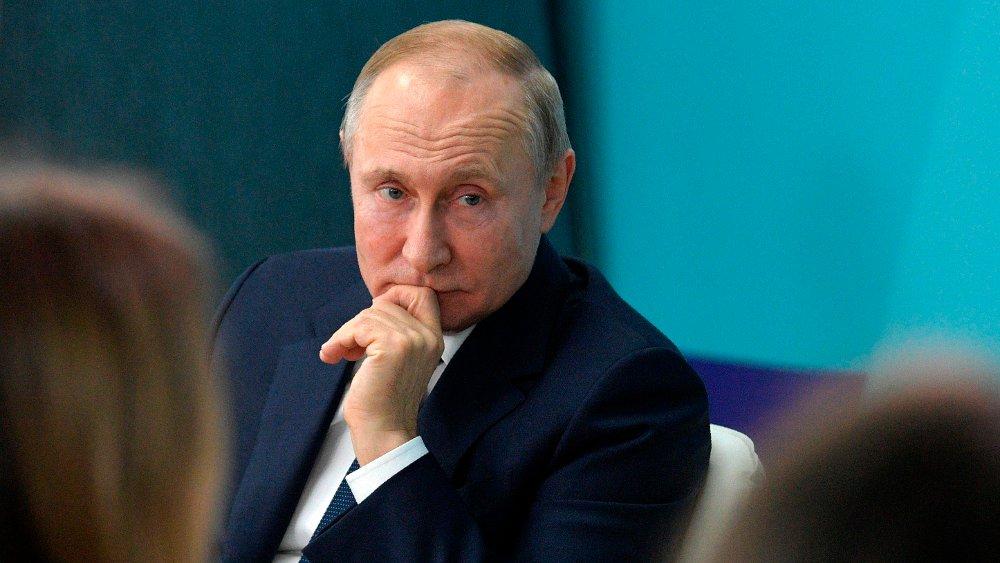 Klikk på bildet for å forstørre. Blant grunnlovsendringene som nå ligger på bordet, er et forslag om at nasjonalforsamlingen og ikke presidenten skal utnevne statsminister og regjering. Her Russlands president Vladimir Putin.
