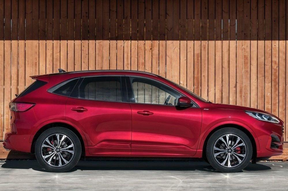 Klikk på bildet for å forstørre. Ford Kuga kan få et skikkelig salgs-comeback i Norge når den nå kommer som ladbar hybrid.