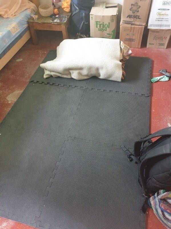 Klikk på bildet for å forstørre. SOVEPLASSEN: Her er Tessa Jorfalds provisoriske sengeplass.