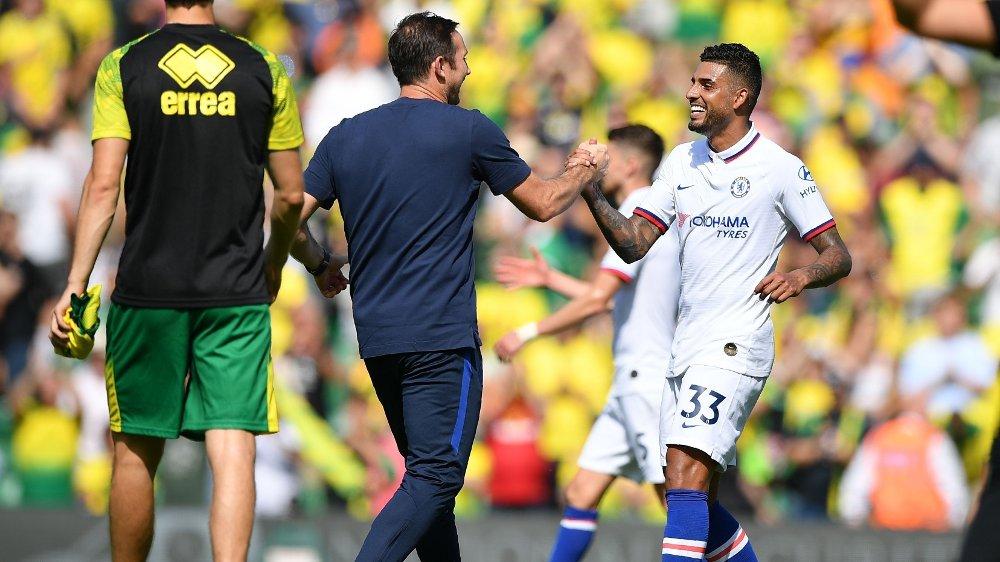 Klikk på bildet for å forstørre. BORT? Emerson kom til Chelsea i 2018. Her i hyggelig passiar med Lampard etter en kamp mot Norwich.