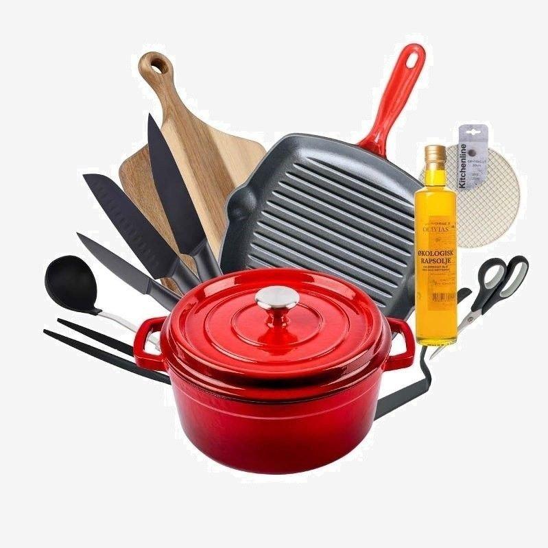 Klikk på bildet for å forstørre. Kjøkkenpakken inneholder støpejernsgryte, grillpanne i støpejern, knivsett med 3 kniver, skjærefjøl, suppeøse i nylon, økologisk rapsolje, stekepinsett i nylon, saks og gryteklut.