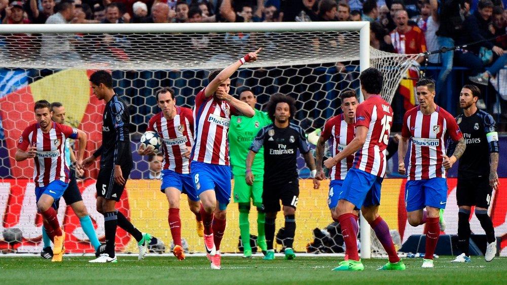 Klikk på bildet for å forstørre. DEN SISTE KVELDEN: Saúl og Atlético Madrid tok seg ikke videre, men den siste CL-kvelden på Vicente Calderón ble minneverdig.