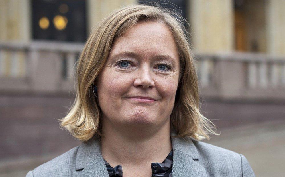 Klikk på bildet for å forstørre. Anne Haabeth Rygg i Forbrukerrådet retter kritikk mot skjønnhetsklinikkene.