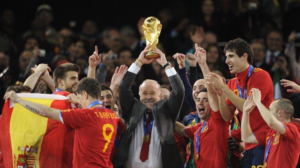 Klikk på bildet for å forstørre. DEN STORE SJEF: Vicente del Bosque ledet Spania til deres første VM-tittel.