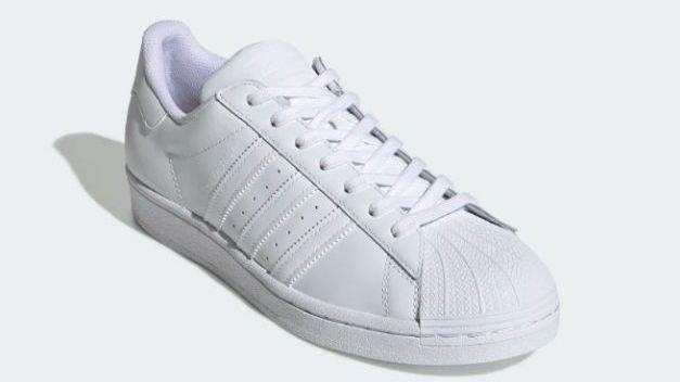 Klikk på bildet for å forstørre. Adidas-sko.