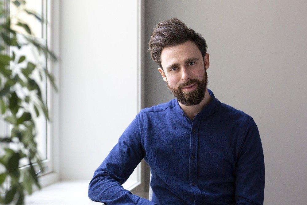 Klikk på bildet for å forstørre. PSYKOLOG: Marius Stavang ved Institutt for psykologisk rådgivning hjelper både single og par med vansker innenfor dating og kjærlighet.