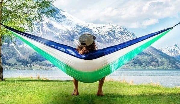 Klikk på bildet for å forstørre. Med en hengekøye kan du virkelig nyte naturen.