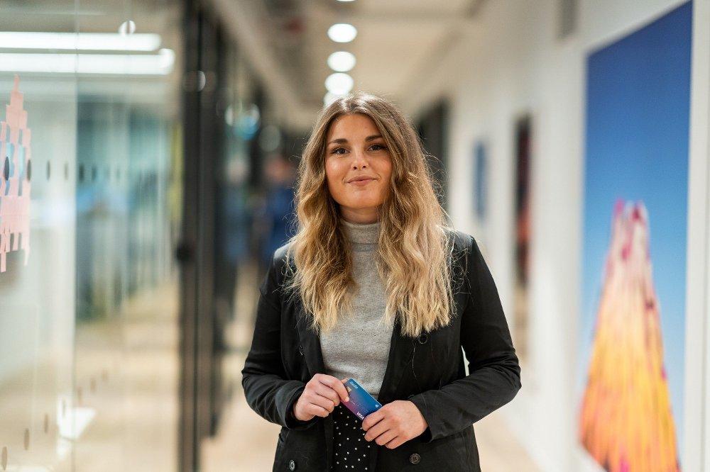 Klikk på bildet for å forstørre. Hanna Johansson er Revoluts nordiske community manager.