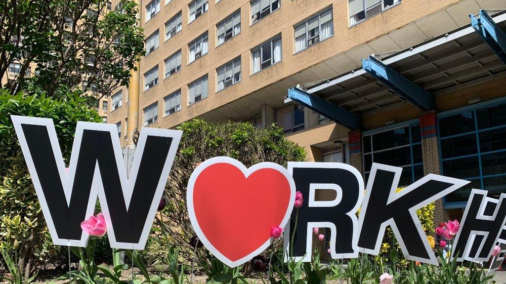 Klikk på bildet for å forstørre. Helsedepartement i New York sier at de har fått rapportert om utbrudd fra hele 239 sykehjem i staten, hvorav minst seks av dem har hatt dødsfall på 40 pasienter eller mer.