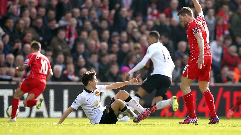 Klikk på bildet for å forstørre. STOPP: Ander Herrera var den som fikk Steven Gerrard utvist i engelskmannens siste kamp mot United.
