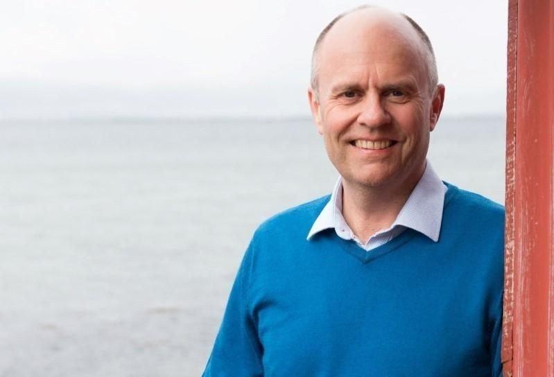Klikk på bildet for å forstørre. Portrett av stortingspolitiker Steinar Reiten.
