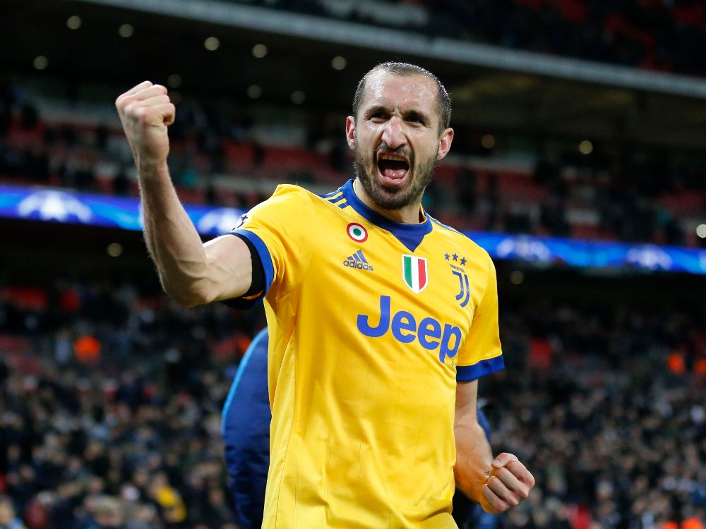Klikk på bildet for å forstørre. FORSVARSLEGENDE: Giorgio Chiellini i aksjon for Juventus.