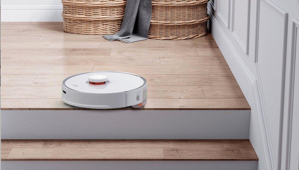 Klikk på bildet for å forstørre. Med en robotstøvsuger kan dere selv se på TV, jobbe eller lese en bok mens huset blir rengjort.