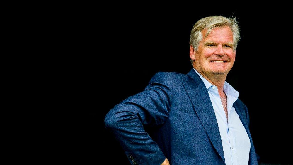 Klikk på bildet for å forstørre. Oslo 20170730. Tor Olav Trøim på tribunen før treningskampen i fotball mellom Vålerenga og Manchester United på Ullevaal stadion.