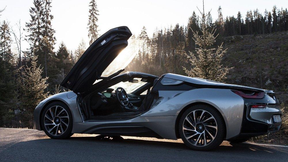 Klikk på bildet for å forstørre. BMW i8 Roadster