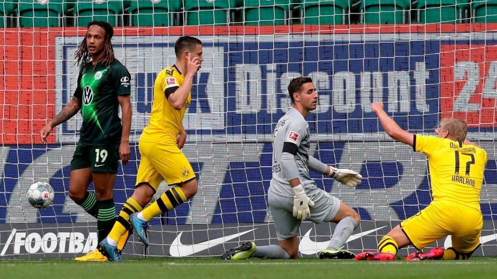 Klikk på bildet for å forstørre. Dortmund's Portuguese defender Raphael Guerreiro / DFL REGULATIONS PROHIBIT ANY USE OF PHOTOGRAPHS AS IMAGE SEQUENCES AND/OR QUASI-VIDEO