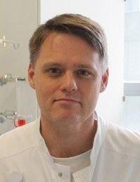 Klikk på bildet for å forstørre. STOLT: Overlege og professor Finn Gustafsson, ved Rigshospitalet, omtaler operasjonen som en «milepæl».